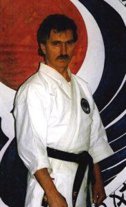 Mihajlo Misic grunnla Os Karateklubb